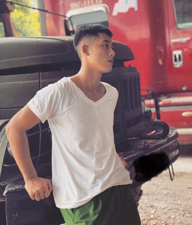 Chàng quân nhân 2K nổi tiếng cộng đồng mạng nhờ đẹp trai - 2