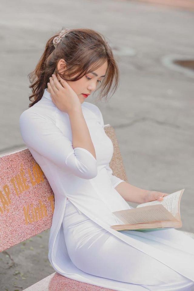 """Dàn hot girl học đường """"xinh như hoa"""" đón chào năm học mới - 6"""