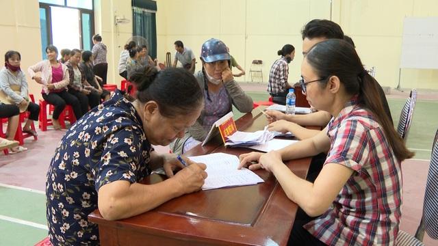 Ninh Bình: Hơn 110 nghìn người gặp khó khăn do dịch Covid-19 đã được hỗ trợ - 1
