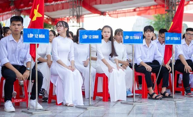 Lễ khai giảng đặc biệt giữa dịch Covid-19 của gần 23 triệu học sinh - 27