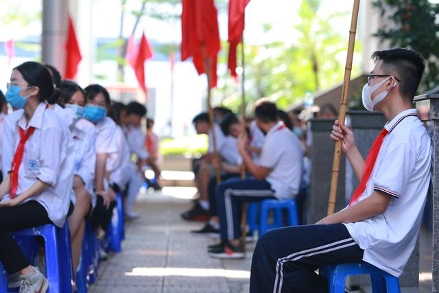 Lễ khai giảng đáng nhớ của ngôi trường có 80% học sinh đỗ chuyên cấp 3 - 8