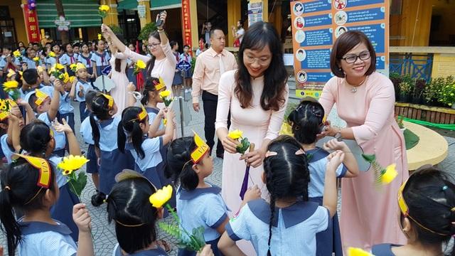 Lễ khai giảng đặc biệt giữa dịch Covid-19 của gần 23 triệu học sinh - 23