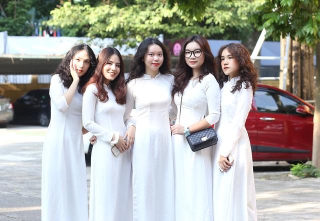 Nữ sinh Phan Đình Phùng khoe sắc trong ngày khai giảng đặc biệt - 4