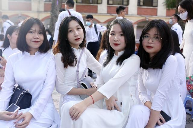 Nữ sinh Phan Đình Phùng khoe sắc trong ngày khai giảng đặc biệt - 5