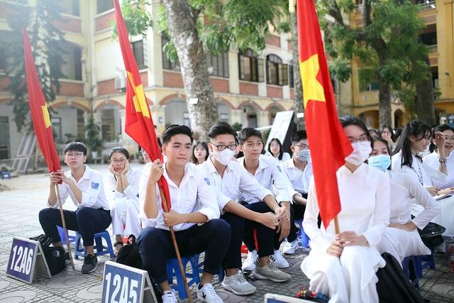 Nữ sinh Phan Đình Phùng khoe sắc trong ngày khai giảng đặc biệt - 11