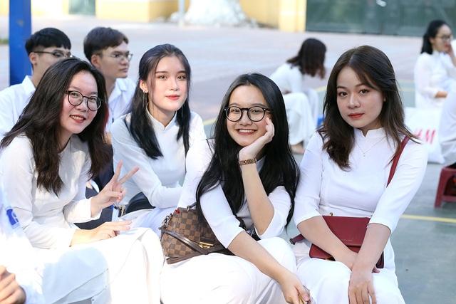 Nữ sinh Phan Đình Phùng khoe sắc trong ngày khai giảng đặc biệt - 6