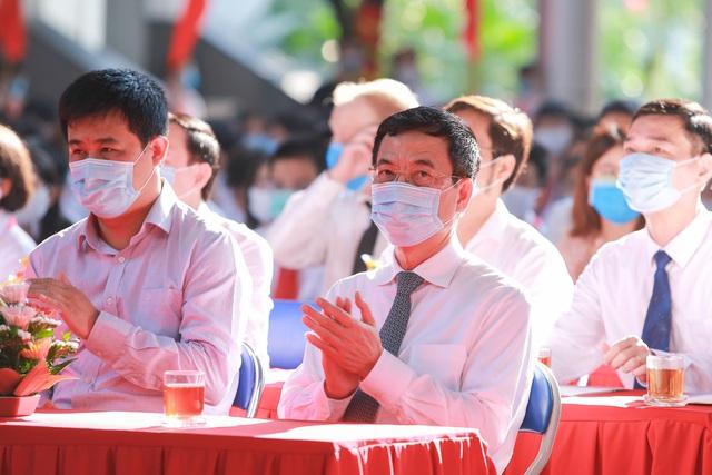 Lễ khai giảng đặc biệt giữa dịch Covid-19 của gần 23 triệu học sinh - 1