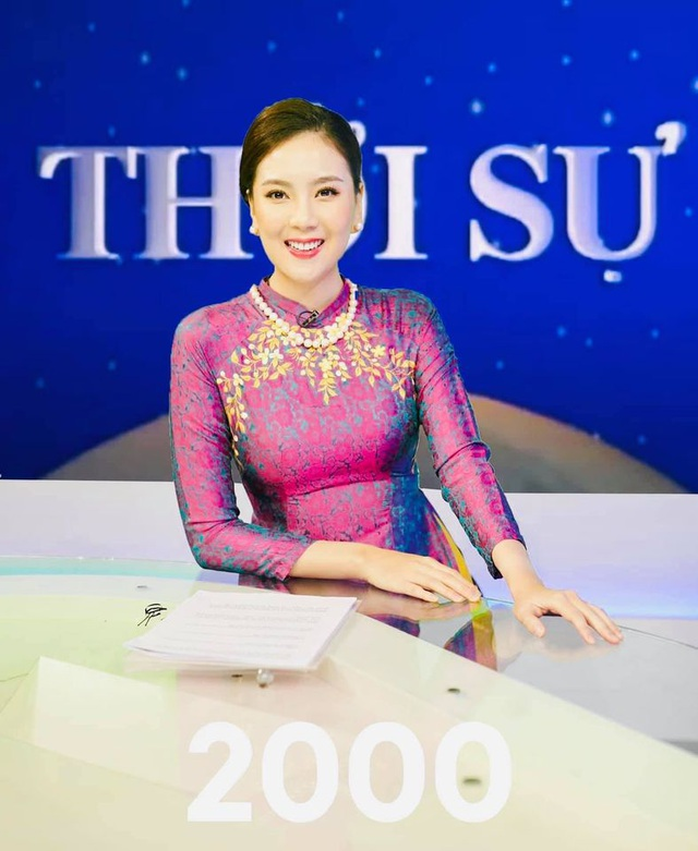 BTV Mai Ngọc được khen giống NSƯT Kim Tiến khi tái hiện MC Thời sự 50 năm - 8