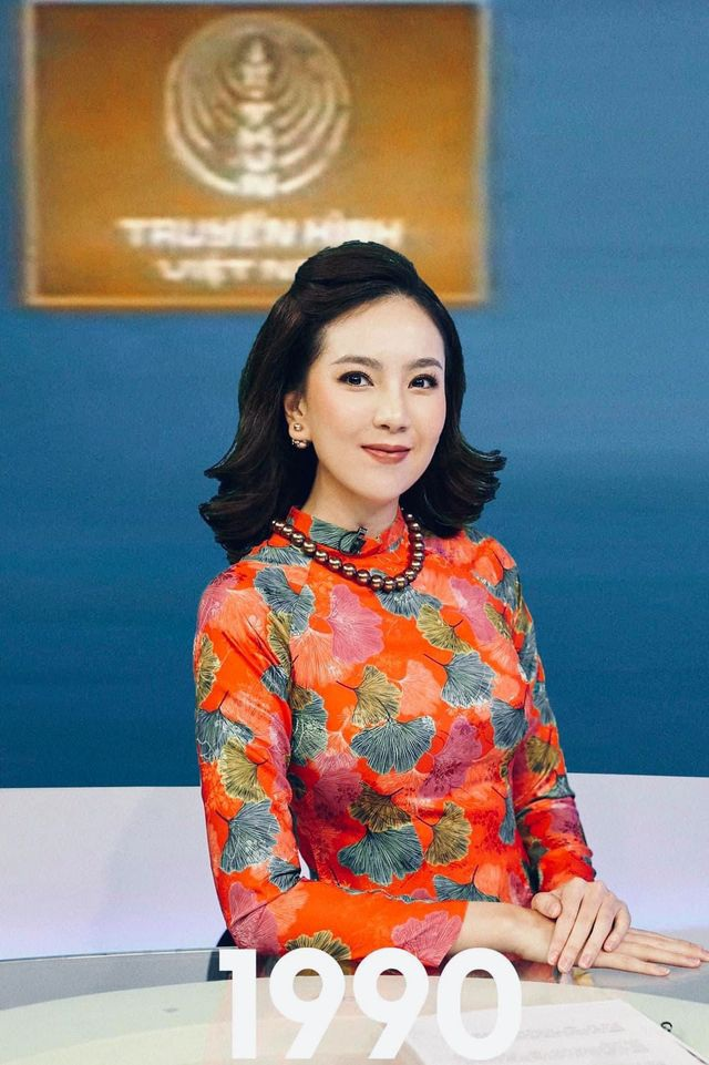 BTV Mai Ngọc được khen giống NSƯT Kim Tiến khi tái hiện MC Thời sự 50 năm - 1