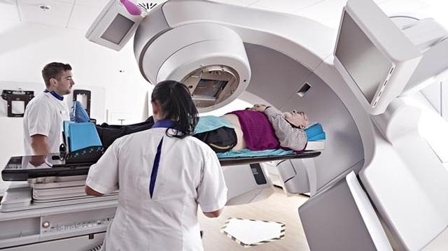 Không có khối u để cắt bỏ, bác sĩ điều trị ung thư máu như thế nào? - 3