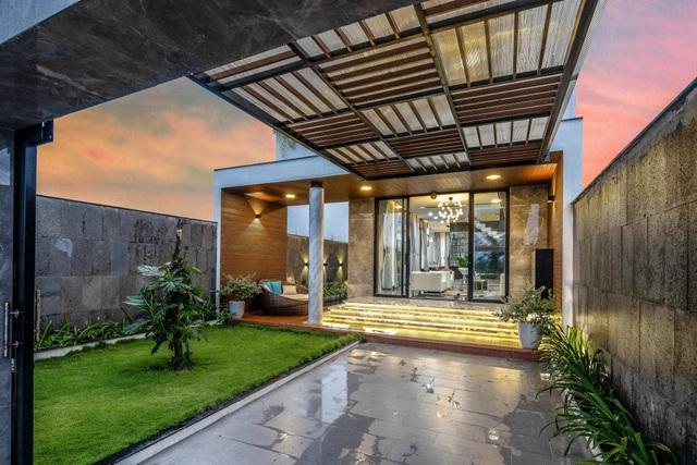 Mua mảnh đất 180m2, vợ chồng Việt làm nhà đẹp như resort ai cũng khen - 3