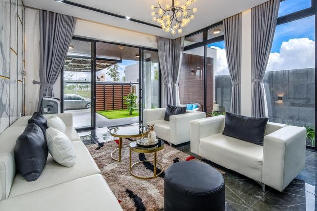 Mua mảnh đất 180m2, vợ chồng Việt làm nhà đẹp như resort ai cũng khen - 6
