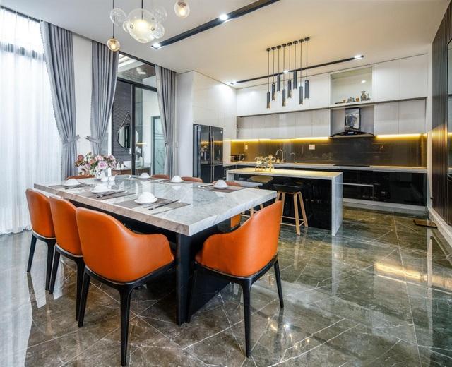 Mua mảnh đất 180m2, vợ chồng Việt làm nhà đẹp như resort ai cũng khen - 8