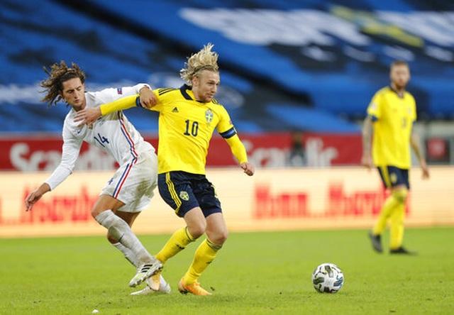 Griezmann đá hỏng phạt đền, Mbappe ghi bàn để Pháp hạ Thụy Điển - 2