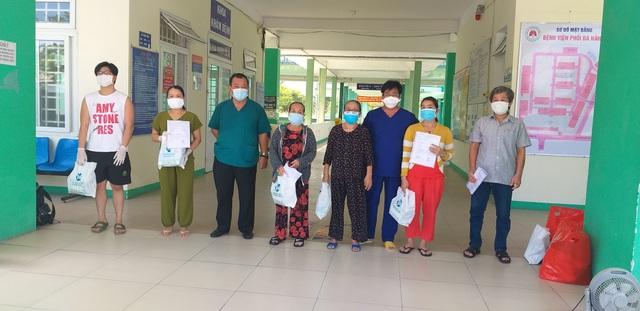Thêm 10 bệnh nhân mắc Covid-19 ở Đà Nẵng khỏi bệnh - 1