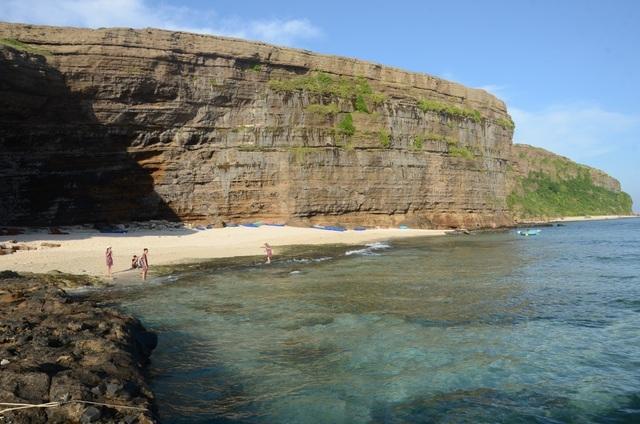 Đảo Lý Sơn được phép đón khách du lịch trở lại - 1