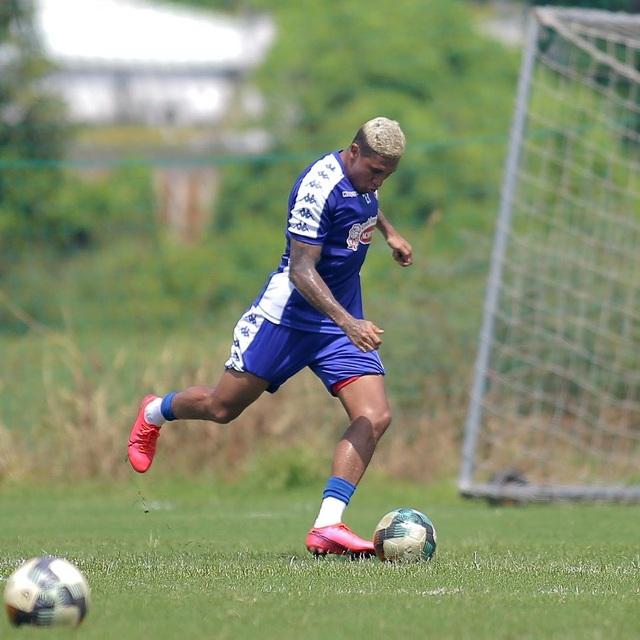 Công Phượng và hai tân binh Costa Rica tập luyện chờ V-League - 2
