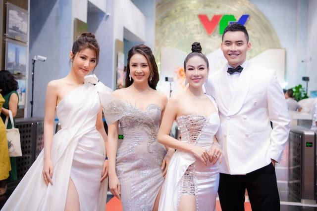 Hoa hậu Áo dài Tuyết Nga tiết lộ bất ngờ về Xuân Bắc, Hồng Diễm - 7