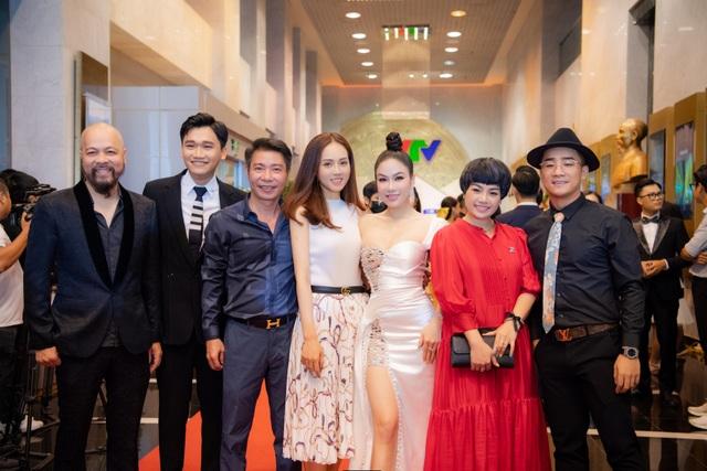 Hoa hậu Áo dài Tuyết Nga tiết lộ bất ngờ về Xuân Bắc, Hồng Diễm - 5