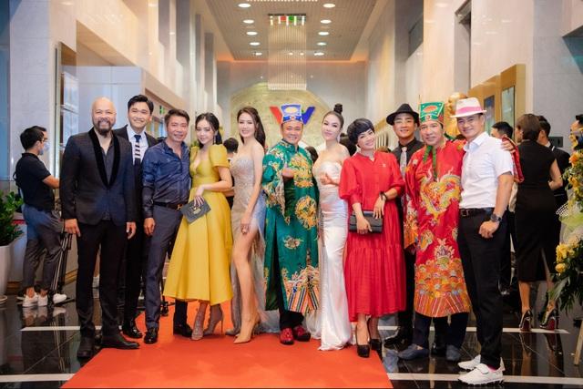 Hoa hậu Áo dài Tuyết Nga tiết lộ bất ngờ về Xuân Bắc, Hồng Diễm - 6