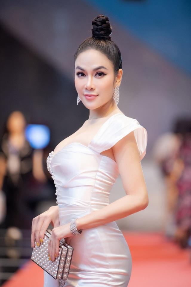 Hoa hậu Áo dài Tuyết Nga tiết lộ bất ngờ về Xuân Bắc, Hồng Diễm - 12