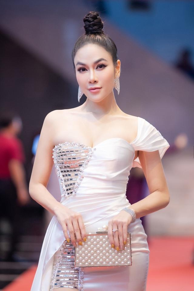 Hoa hậu Áo dài Tuyết Nga tiết lộ bất ngờ về Xuân Bắc, Hồng Diễm - 9
