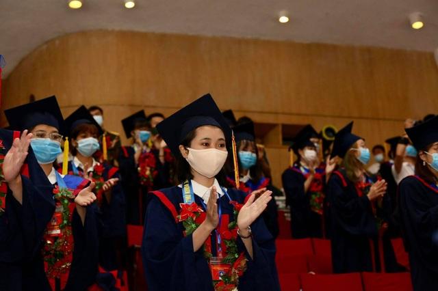 Hà Nội tuyên dương 88 thủ khoa xuất sắc tốt nghiệp đại học - 1