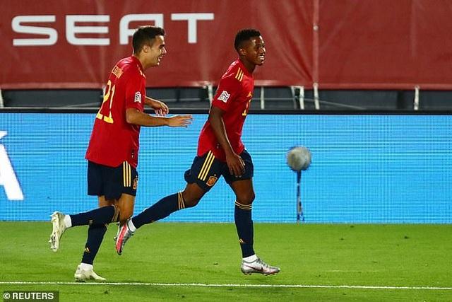 Sergio Ramos và Fati tỏa sáng, Tây Ban Nha thắng đậm Ukraine - 5