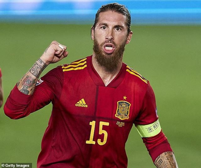 Sergio Ramos và Fati tỏa sáng, Tây Ban Nha thắng đậm Ukraine - 1