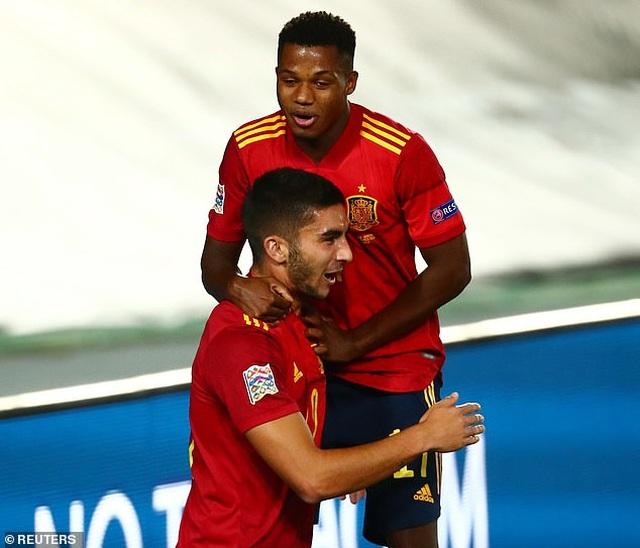 Sergio Ramos và Fati tỏa sáng, Tây Ban Nha thắng đậm Ukraine - 6