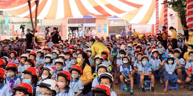 TPHCM: Ưu tiên bảo vệ học sinh nhỏ tuổi giữa đại dịch Covid-19 - 1