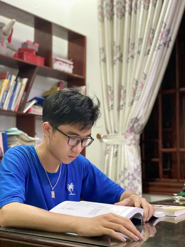 Chàng trai vàng Olympic Sinh học Quốc tế ước mơ thành bác sĩ cứu người - 2
