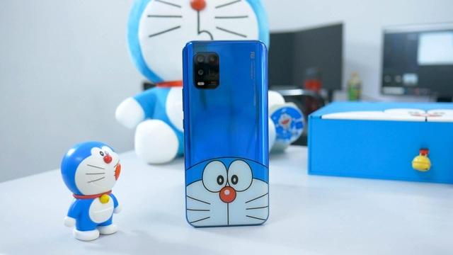 Cận cảnh chiếc smartphone phiên bản Doraemon đặc biệt tại Việt Nam - 6