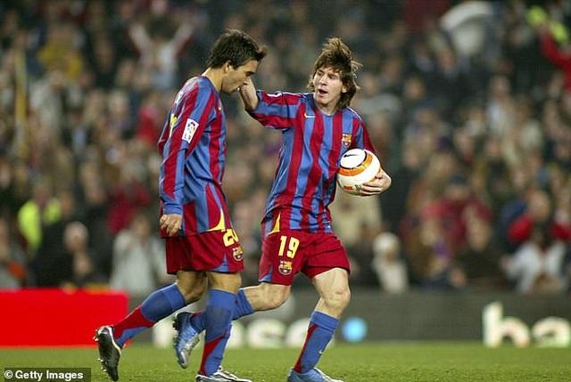 Trước Suarez, những ngôi sao nào từng là đồng đội của C.Ronaldo lẫn Messi? - 12
