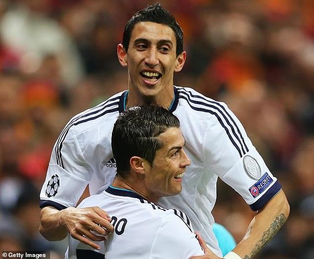 Trước Suarez, những ngôi sao nào từng là đồng đội của C.Ronaldo lẫn Messi? - 5