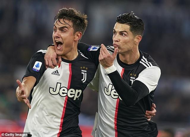 Trước Suarez, những ngôi sao nào từng là đồng đội của C.Ronaldo lẫn Messi? - 7