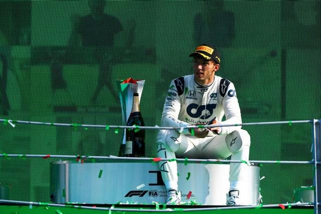 Biến căng ở Monza, F1 đã có một chặng đua đi vào lịch sử - 22