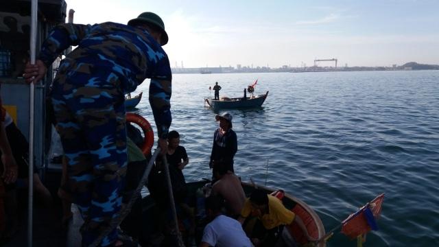 Một người mất tích trong vụ cháy tàu tại Cảng Dung Quất - 2