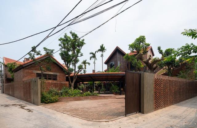 """Bên trong biệt phủ rộng 700m2 như """"làng quê Bắc Bộ"""" thu nhỏ ở Hà Nội - 2"""