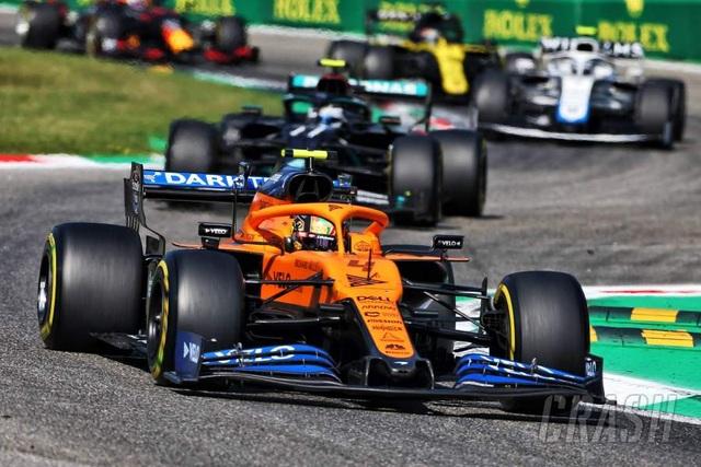 Biến căng ở Monza, F1 đã có một chặng đua đi vào lịch sử - 7