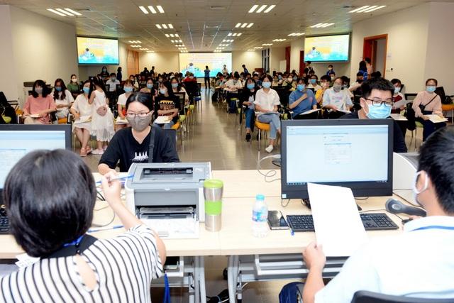 Hơn 2.000 thí sinh xuất sắc đầu tiên nhập học vào ĐH Kinh tế quốc dân - 1