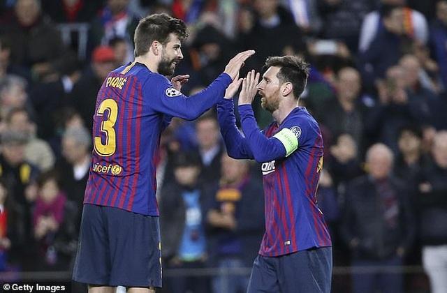 Trước Suarez, những ngôi sao nào từng là đồng đội của C.Ronaldo lẫn Messi? - 4