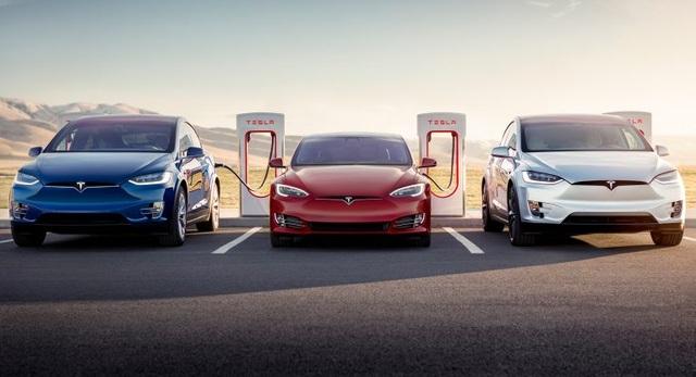 Anh: Người tiêu dùng đã sẵn sàng, xe chạy điện thì chưa - 1