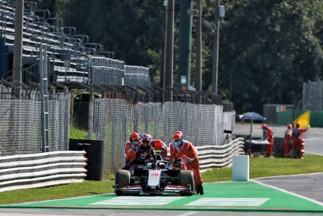 Biến căng ở Monza, F1 đã có một chặng đua đi vào lịch sử - 8