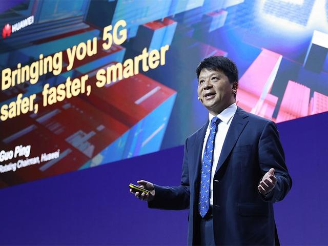 Chủ tịch luân phiên của Huawei khẳng định Mỹ không thể đánh bại - 2