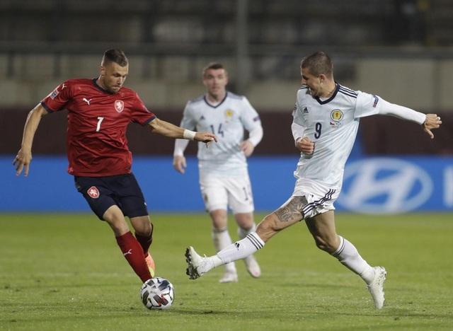 Filip Nguyễn dự bị trong ngày CH Czech thua Scotland - 1