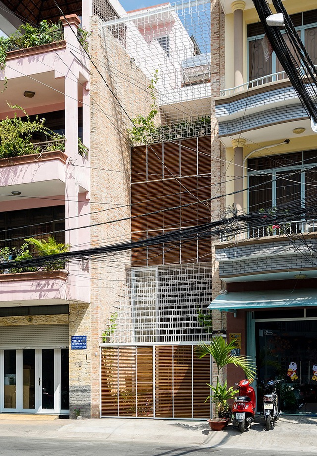 """Nhà được """"dệt"""" từ những """"sợi"""" thép độc đáo, hút mắt người nhìn ở Sài Gòn - 1"""
