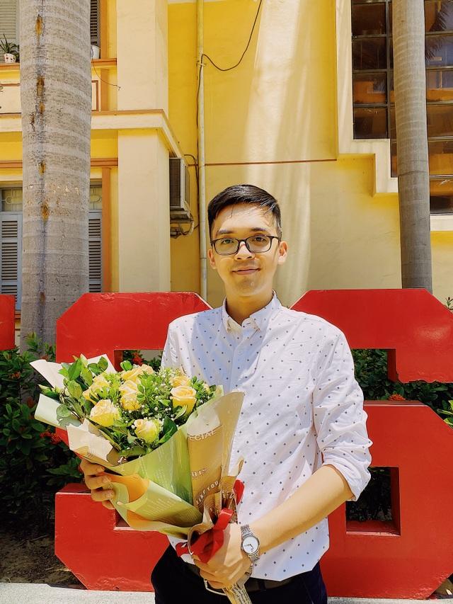 """Thủ khoa Vũ Quang Huy: """"Xã hội học-một góc nhìn nhân văn hơn với cuộc đời"""" - 2"""