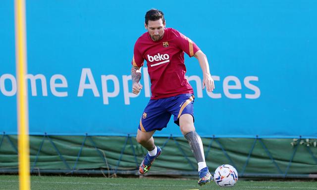 HLV Koeman ra điều kiện với Lionel Messi - 1