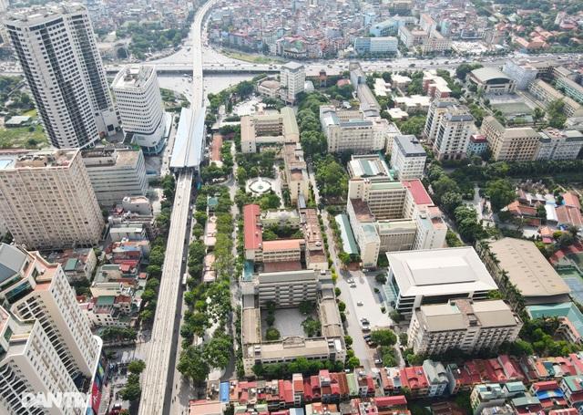 """Đoạn đường dài 1km """"cõng"""" đến 7 trường đại học, cao đẳng ở Hà Nội - 3"""